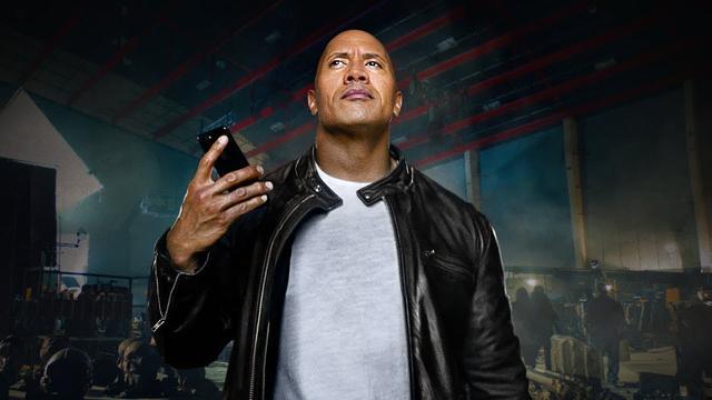 画像: iPhone 7 — The Rock x Siri 今日を支配せよ — Apple www.youtube.com