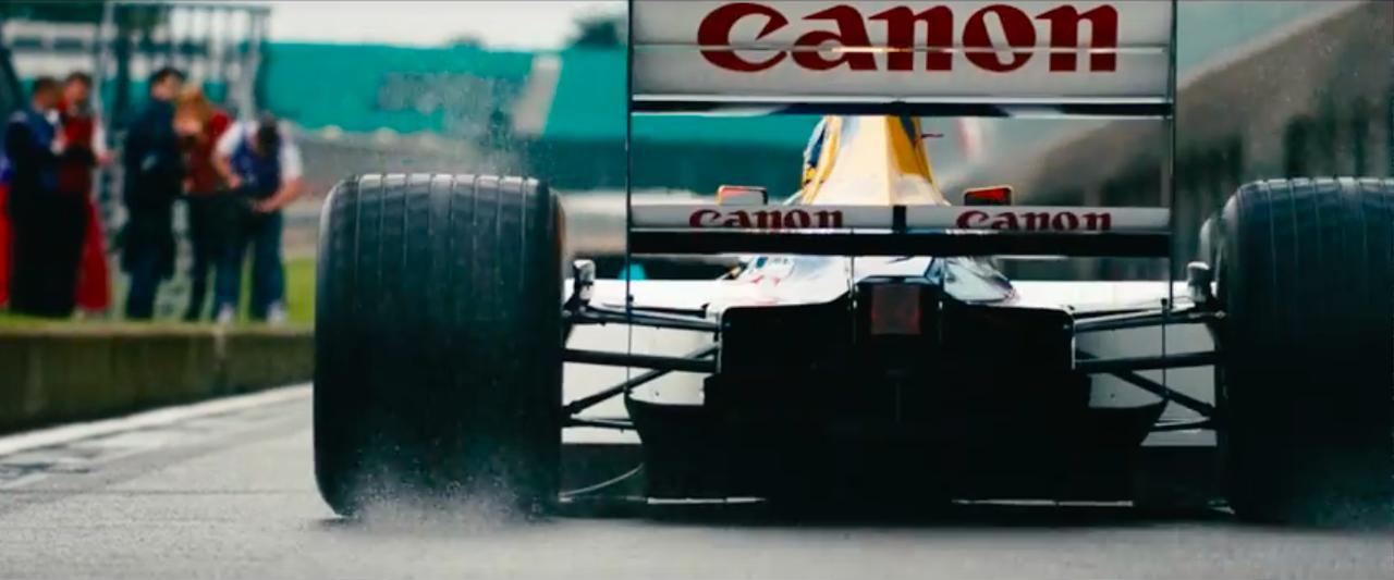 画像: 1992年、ナイジェル・マンセルのドライバーズタイトルと、コンストラクターズタイトルを総取りした名車FW14B。アクティブサスペンションやトラクションコントロールというハイテク装備でライバルに対するアドバンテージを築き、この年10勝を記録しました。 www.youtube.com