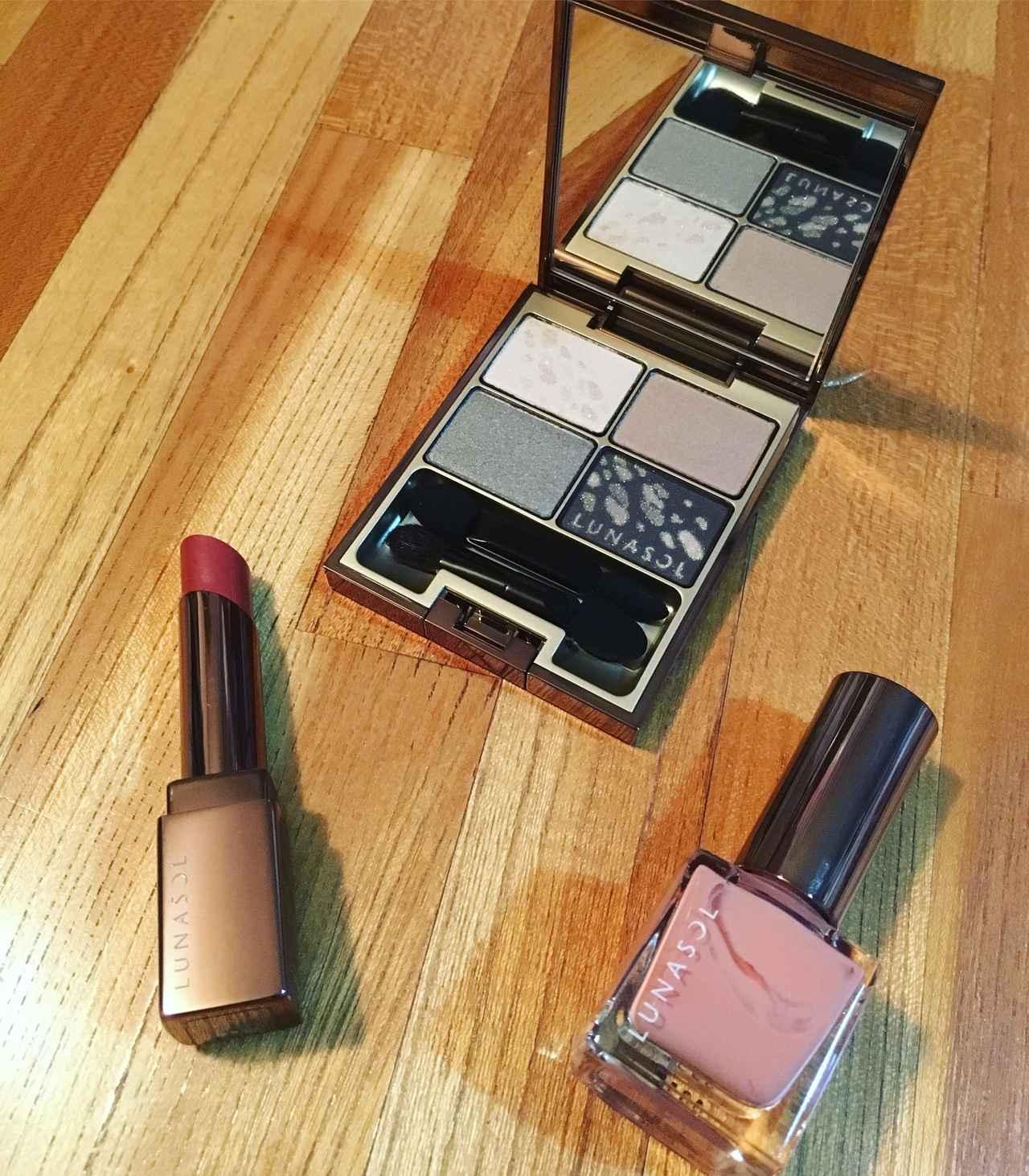 画像: 写真上 シャインフォールアイズ02 Sophisticate/写真左下 フルグラマーリップス EX09 Deep Terracotta/写真右下 ネイルフィニッシュN 新色14 Natural Pink