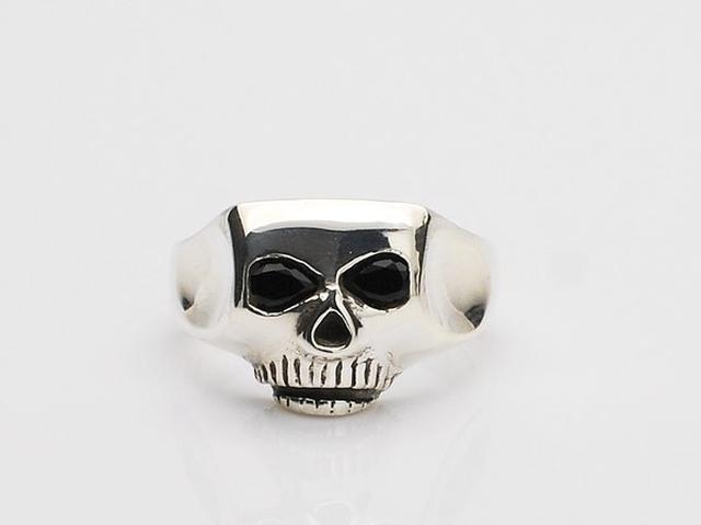 画像: アメリカ・ニューヨークのシルバーアクセサリーブランド。1994年、FLASHPOINT STUDIOS Ltd.が設立される。 スカルをモチーフにしたリングが有名。 www.ss-defi.com