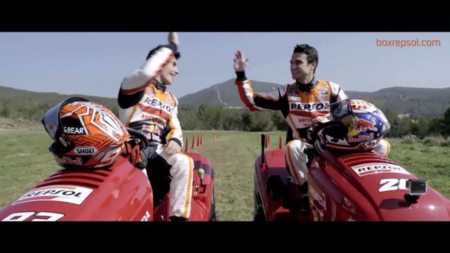 画像: Marc Márquez y Dani Pedrosa en una carrera muy especial youtu.be