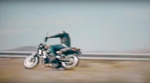 画像: ああ〜っ! もっとクッキリと映した走行シーンを見せてくださいよ・・・イジワルなカワサキさぁ〜ん! www.youtube.com