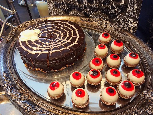 画像: 目ん玉ギョロギョロ〜☆このチョコケーキ!!濃厚で最高でした!