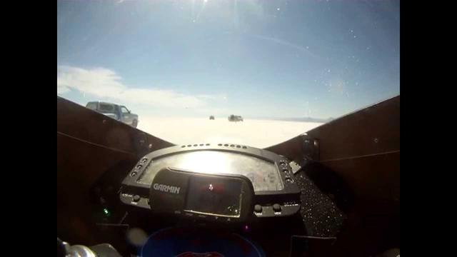 画像: Lightning Motorcycle World's Fastest Electric SuperBike- Bonneville 2011 www.youtube.com