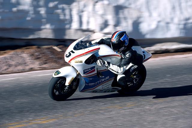 画像: Lightning Electric Motorcycle Fastest Electric MotorcycleLightning Motorcycles