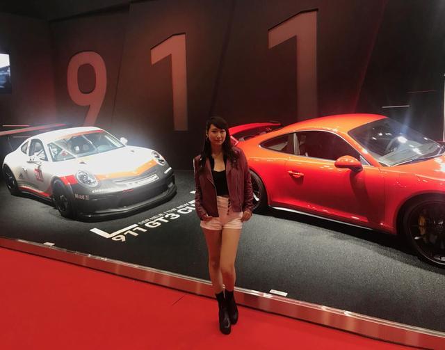 画像: 真っ赤なのが、911 GT3