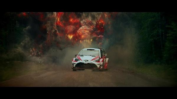 """画像: ▲ラトバラに襲いかかる、レースに潜む""""魔物""""。華麗なドラテクで回避。"""