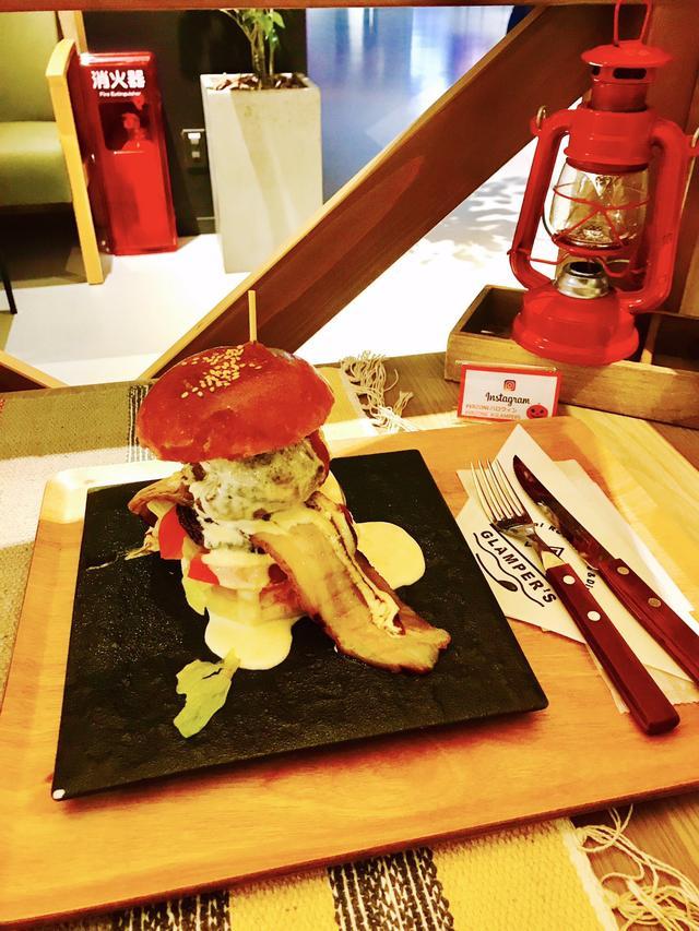 画像: チーズ掛け流し極旨ボルダーバーガー 980円(税込1,058円)