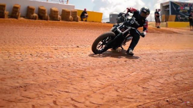 画像: インディアンFTR750! ついにその姿を現わす! - LAWRENCE - Motorcycle x Cars + α = Your Life.