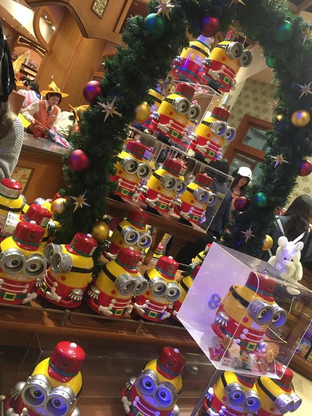 画像: クリスマスバージョンのミニオンもすでに発売していました☆