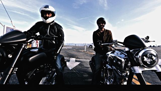 画像: 嬉々、キアヌがまたがるのは、彼らの新会社 Archのニューバイク KRGT-1 - LAWRENCE - Motorcycle x Cars + α = Your Life.