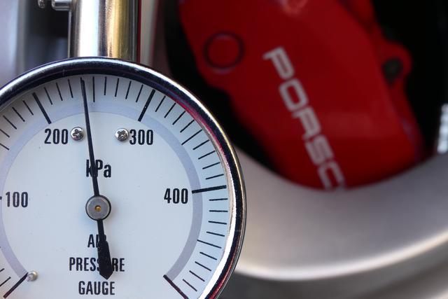 画像: しかも、空気圧を測ってみたら……
