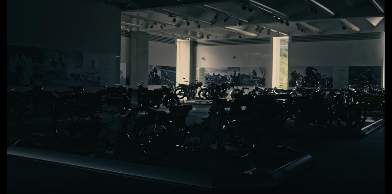 """画像2: Hondaスーパーカブ。 1958年以来、ぼくたちの生活の""""足""""として走り続けてくれた友"""