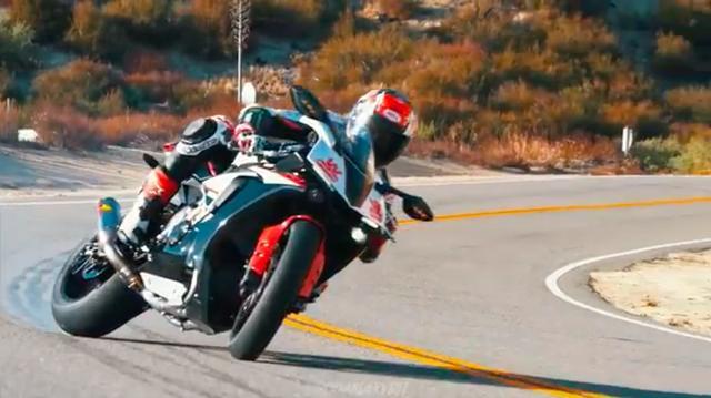 画像: ギャギャギャーっと、スキール音を盛大に響かせてのドリフト! www.youtube.com