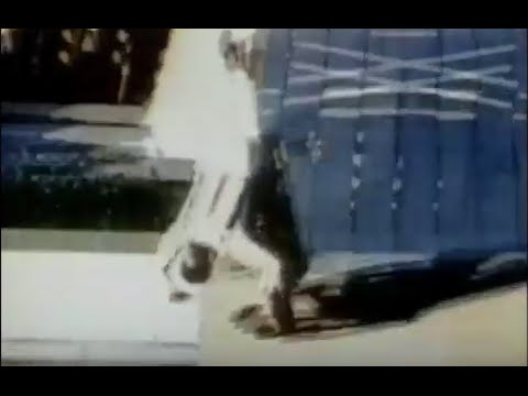 画像: Evel Knievel 1967 Caesar's Palace Jump youtu.be