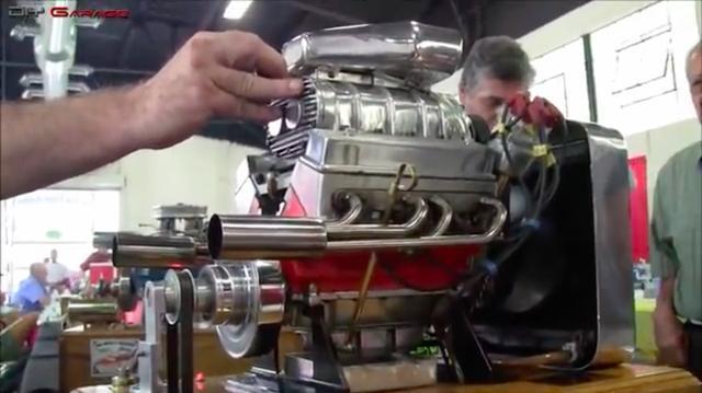 画像: 103cc!!のV8エンジンです。最高出力は16馬力とのこと。 www.youtube.com