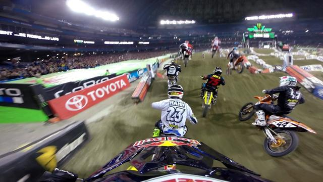画像: GoPro: James Stewart 14th to 1st - 2014 Monster Energy Supercross Toronto youtu.be
