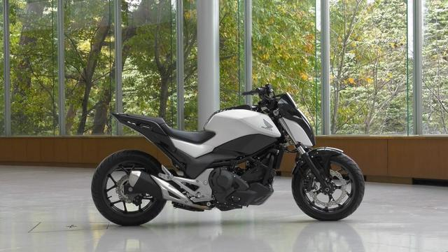 画像: Honda Riding Assist youtu.be
