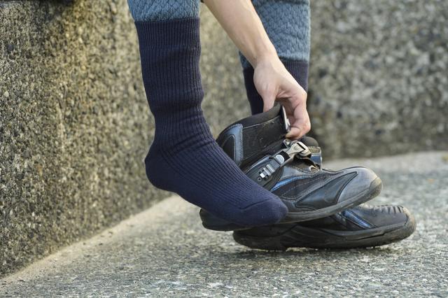 画像: 最初は靴下から……