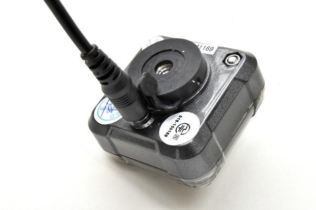 画像: レシーバー本体は充電式です。一回の充電でかなり長持ちします。