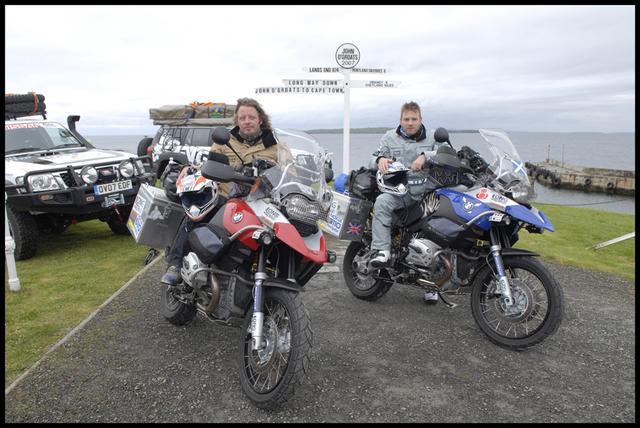 画像1: バイク大好き俳優こと、ユアン・マクレガー様の冒険を記録したDVD『ユアン・マクレガー 大陸縦断バイクの旅/Long Way Down』が発売されますよ。