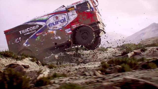 画像: もちろんモーターサイクルのほか、カー、クワド、そしてカミオン! と、プレーヤーはダカールを様々な乗り物で楽しめます! www.youtube.com