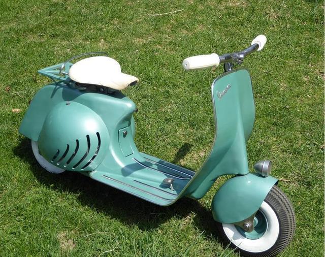 画像: Mini Vespa Scooter Test Drive youtu.be