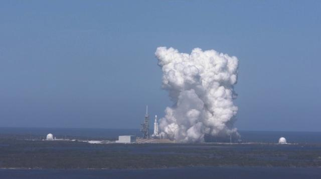 画像: サターンV以来となる世界最大ロケットの発射