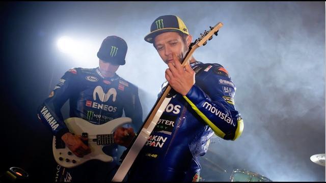 画像: 2018 Movistar Yamaha MotoGP Team Presentation - Unveiling The Bikes Video youtu.be