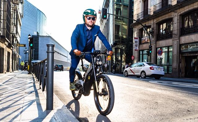 画像: 街中トライアルな雰囲気がします newatlas.com