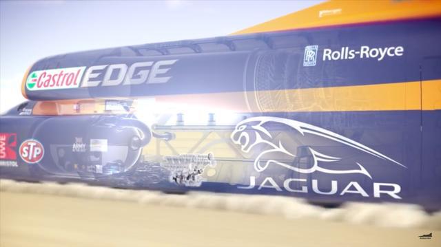 画像: ジャガー・FタイプRクーペ用のV8・5リッターエンジンは、ジェットエンジンの下、そしてロケットエンジンの前に搭載され、時速1,000マイル達成の要となるロケットへの燃料供給役をつとめるわけです。 www.youtube.com