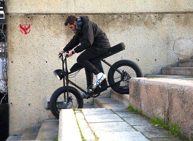 画像: 階段だってタタタ~っと www.designboom.com
