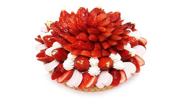 画像: 栃木県産 「とちおとめ」と練乳いちごムースのケーキ www.cafe-commeca.co.jp