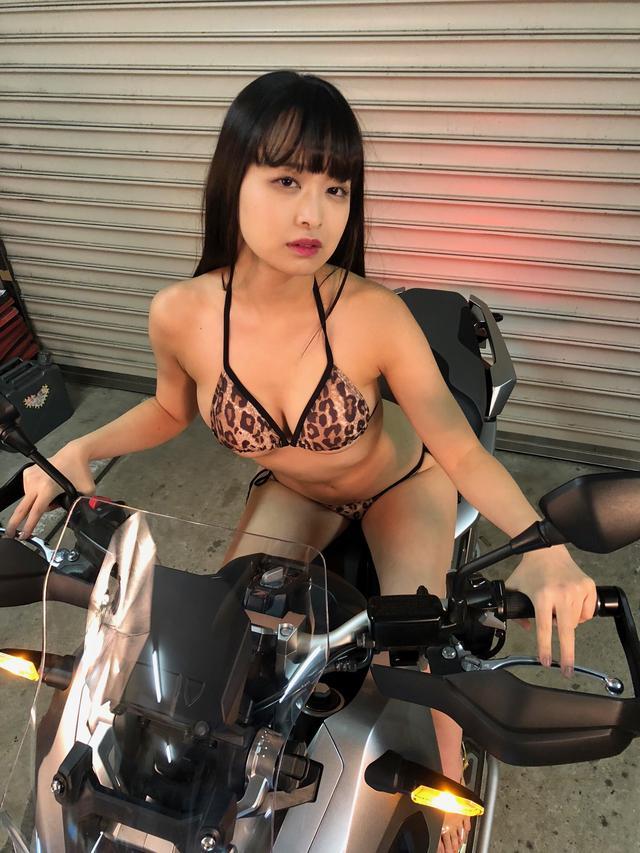 画像1: 【Beauty & Bike】かれんなりりさとX-ADV vol.17