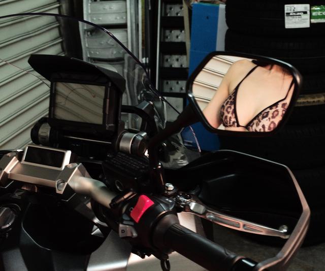 画像1: 【Beauty & Bike】かれんなりりさとX-ADV vol.21