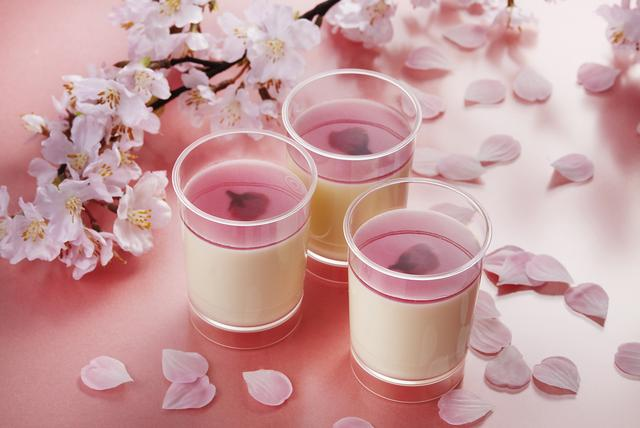 画像: 【期間・数量限定】とろけるチーズプリン‐桜・・・259円(税抜) www.pablo3.com