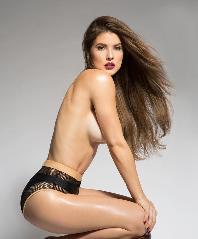 画像1: Amanda CernyさんはInstagramを利用しています:「La vie est belle 」 www.instagram.com