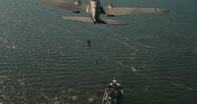 画像: 撤退作戦を阻止しようとドイツ空軍が襲いかかる wwws.warnerbros.co.jp