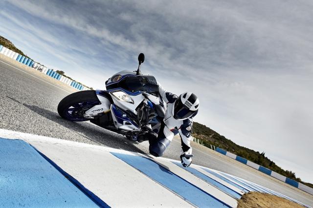 画像: The Back Seat of a Motorcycle May Soon Be a Ride-Sharing Option