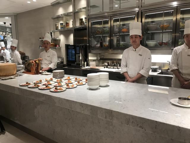 画像2: ホテルの上層階なのに気軽に入れるカジュアルレストラン。 新宿「サザンタワーダイニング」が本日オープン!【ロレンス的ニュース!】