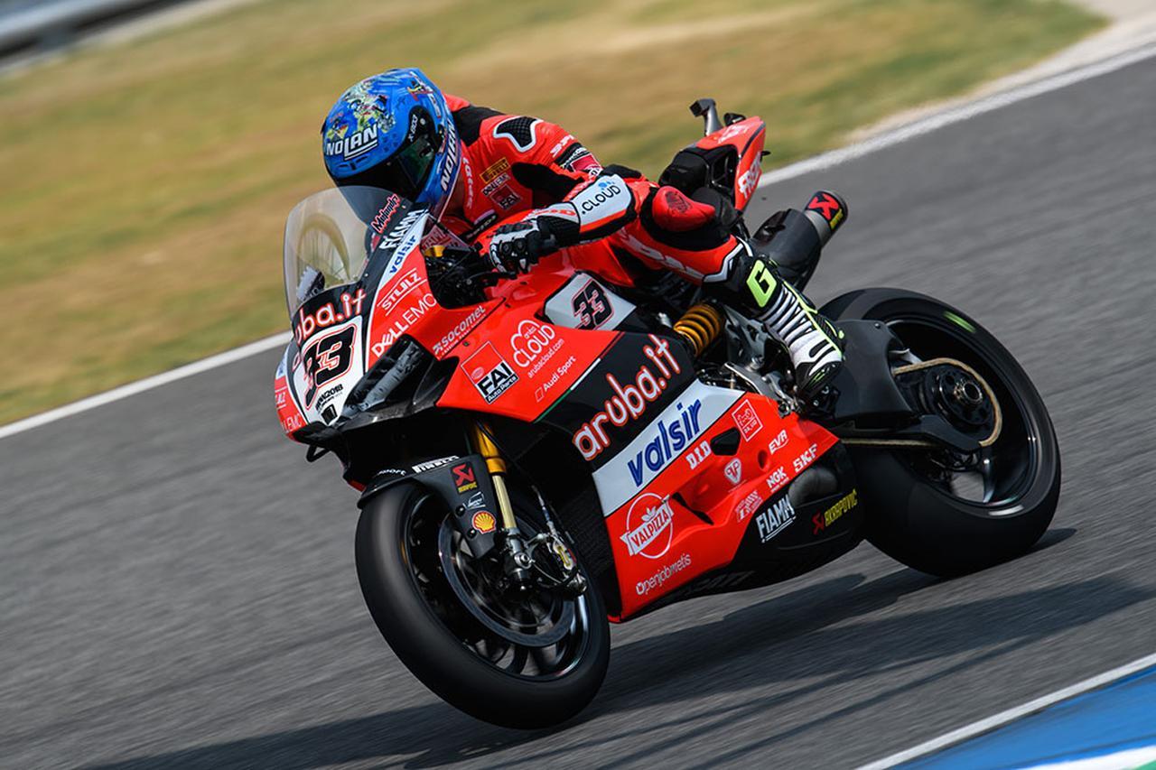 画像: SBK第2戦タイ・レース2を走るマルコ・メランドリ(ドゥカティ)。開幕戦オーストラリアではダブルウィンを達成したメランドリは、トラブルに悩まされましたがレース1で8位、7位を獲得し、ランキング2位につけています。 www.ducati.com