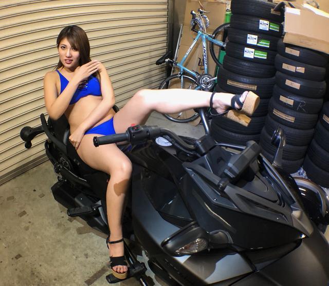 画像1: 【Beauty & Bike】麻美とカンナム・スパイダー Vol.08