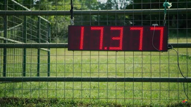 画像: ジャッキーとおウマさんのタイムは、17.377秒です・・・。 www.youtube.com