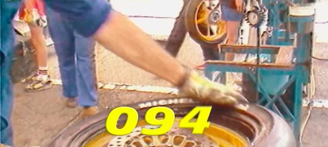 画像: ミシュランによる2輪モータースポーツ界の「ラジアルタイヤ」革命はまずトライアルの場からはじまり、やがてロードレース界に波及。今ではラジアルタイヤが標準となって久しいです。 www.youtube.com