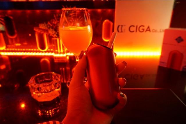 画像2: 次世代型加熱式タバコ「EFOS E1」ってなに? 効果や使い方が気になる!