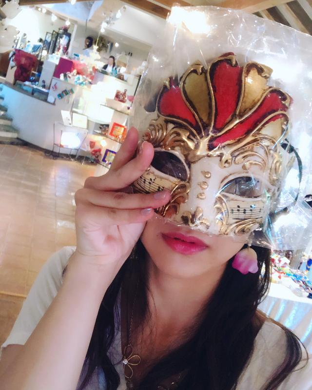 画像: さすがヴェネチアン美術館。色んな仮面が売ってました。