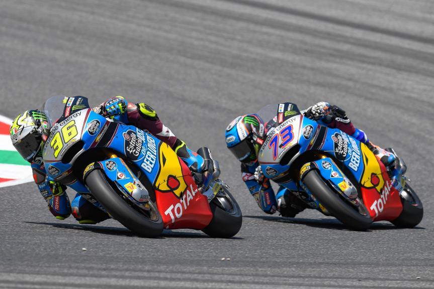 画像: Moto2で、Eg 0,0 Marc VDSのライダーとして参戦するJ.ミル(左)。後ろを走るのはチームメイトのA.マルケスです。 www.motogp.com