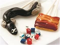 画像: (左から)蒲焼きロリポップ/600円、 うなぎMIX(40g)530円、 うなぎロリポップ1,000円