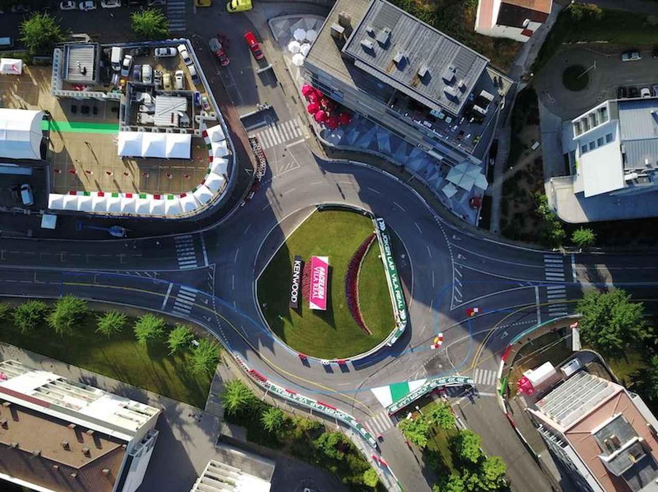 画像: 青い線で書かれているコースがジョーカーラップ。約3秒ロスするような遠回りになっています。 www.fiawtcr.com