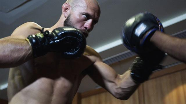 画像: Behind the Gloves: Donald 'Cowboy' Cerrone www.youtube.com